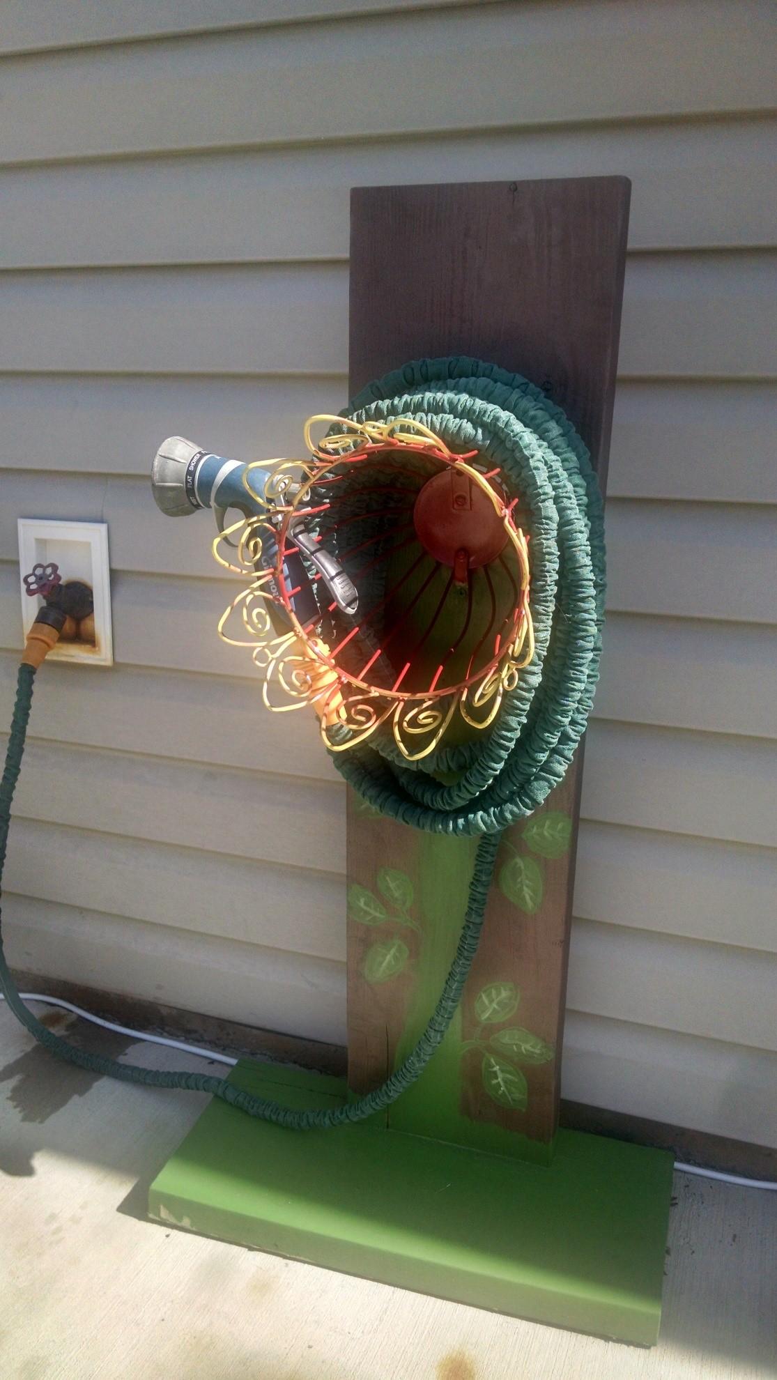 build your own garden hose hanger
