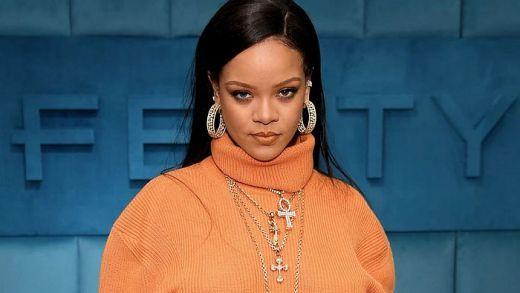 Rihanna Becomes The World 'Richest Female Musician'