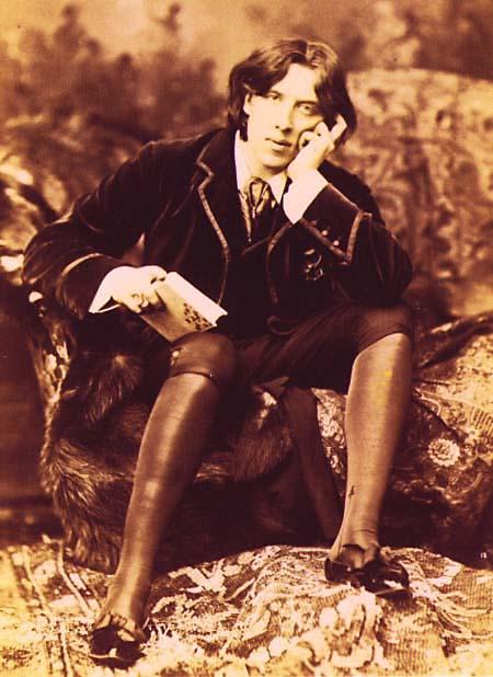 Oscar Wilde, looking stylishlybored