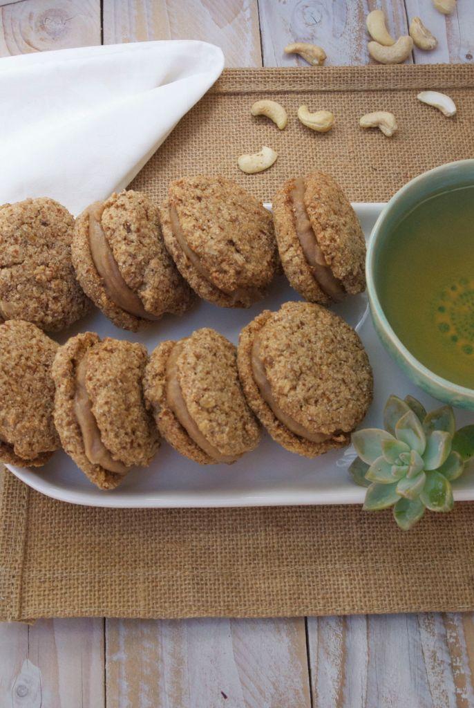 Spiced Oatmeal Cream Cookies