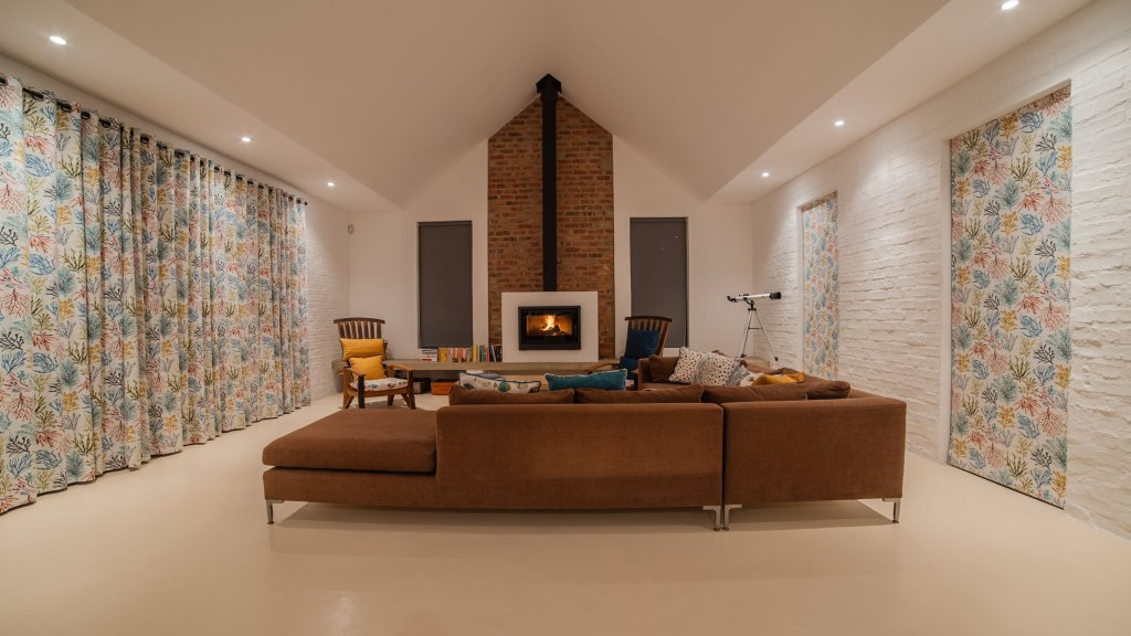 charel-schreuder-photography-property-photography-evening-fireplace-lounge