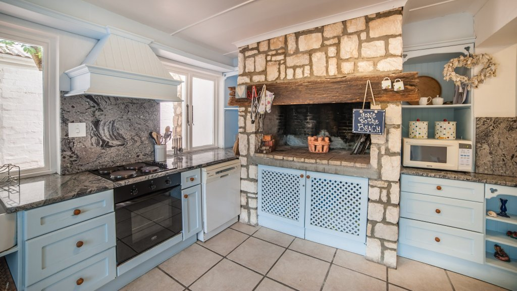 charel-schreuder-photography-property-photography-kitchen-built-in-braai