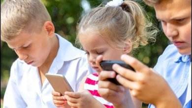 Another cause of obesity in children ... smartphones