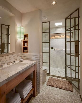 44 Suprising Farmhouse Bathroom Shower Decor Ideas And Remodel (12)