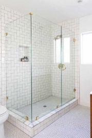 44 Suprising Farmhouse Bathroom Shower Decor Ideas And Remodel (19)