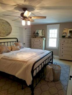 50 Awesome Farmhouse Bedroom Decor Ideas And Remodel (11)