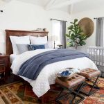 50 Awesome Farmhouse Bedroom Decor Ideas And Remodel (12)