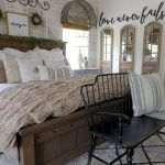 50 Awesome Farmhouse Bedroom Decor Ideas And Remodel (41)