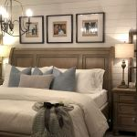 50 Awesome Farmhouse Bedroom Decor Ideas And Remodel (47)