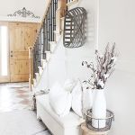 50 Best Farmhouse Entryway Design Ideas You Must Try In 2019 (27)