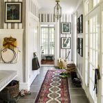 50 Best Farmhouse Entryway Design Ideas You Must Try In 2019 (28)