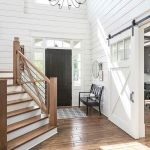 50 Best Farmhouse Entryway Design Ideas You Must Try In 2019 (30)