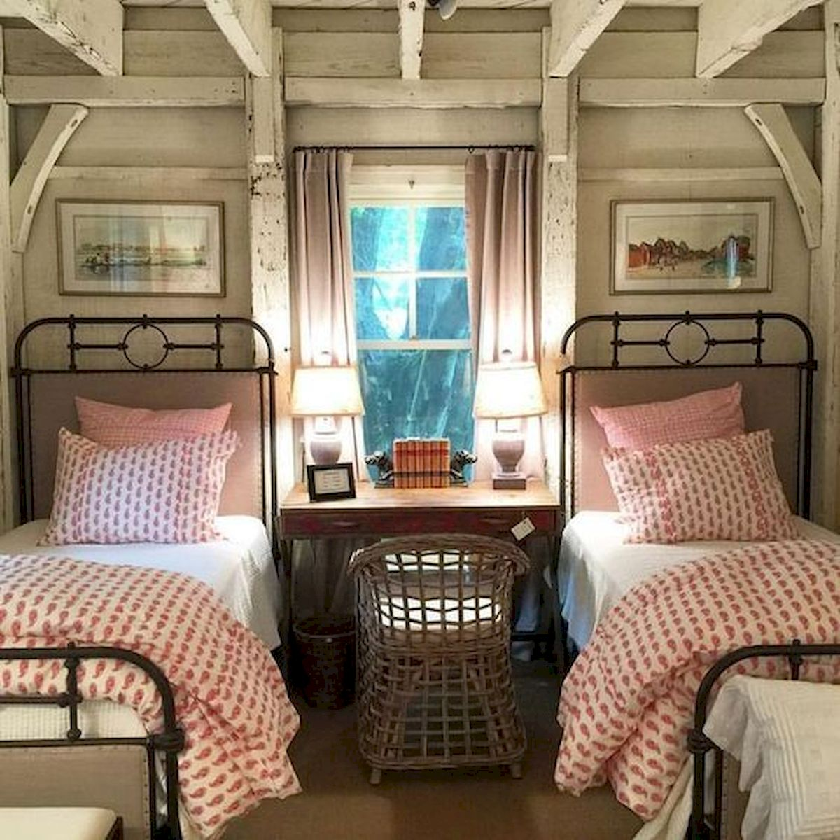 50 Modern Farmhouse Bedroom Decor Ideas Makes You Dream Beautiful In 2019 (17)