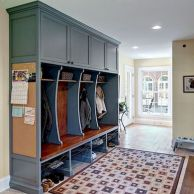 50 Stunning Farmhouse Mudroom Decor Ideas And Remodel (21)
