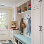 50 Stunning Farmhouse Mudroom Decor Ideas And Remodel (28)