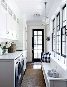 50 Stunning Farmhouse Mudroom Decor Ideas And Remodel (7)