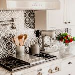 55 Fantastic Farmhouse Kitchen Backsplash Design Ideas And Decor (15)