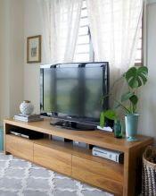 60 Beautiful Farmhouse TV Stand Design Ideas And Decor (11)