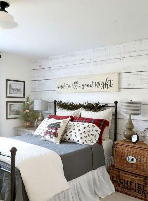 69 Best Farmhouse Bedding Decor Ideas And Remodel (17)
