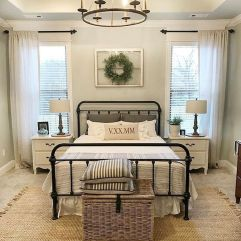 69 Best Farmhouse Bedding Decor Ideas And Remodel (31)