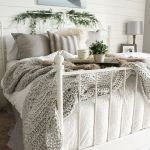 69 Best Farmhouse Bedding Decor Ideas And Remodel (38)