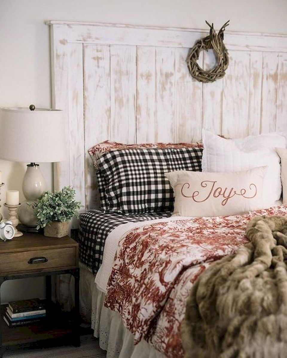 69 Best Farmhouse Bedding Decor Ideas And Remodel (47)
