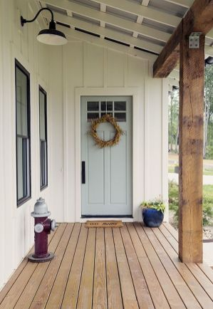 70 Beautiful Farmhouse Front Door Design Ideas And Decor (16)