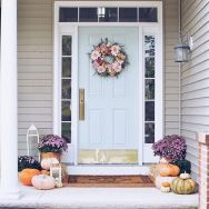 70 Beautiful Farmhouse Front Door Design Ideas And Decor (17)