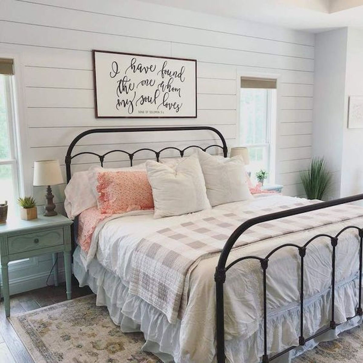 47 Most Popular Bedding for Farmhouse Bedroom Design Ideas and Decor (20)