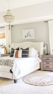 57 Stunning Modern Farmhouse Bedroom Design Ideas and Decor (63)
