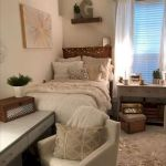 77 Inspiring Small Apartment Bedroom College Design Ideas and Decor (25)