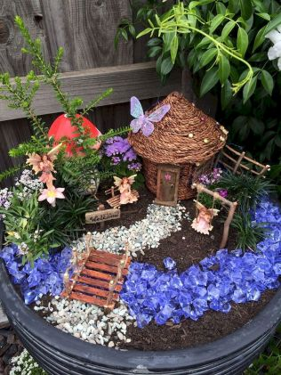 Fairy Garden Design Ideas For Summer (32)