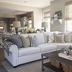 105 Best Farmhouse Living Room Decor Ideas (87)