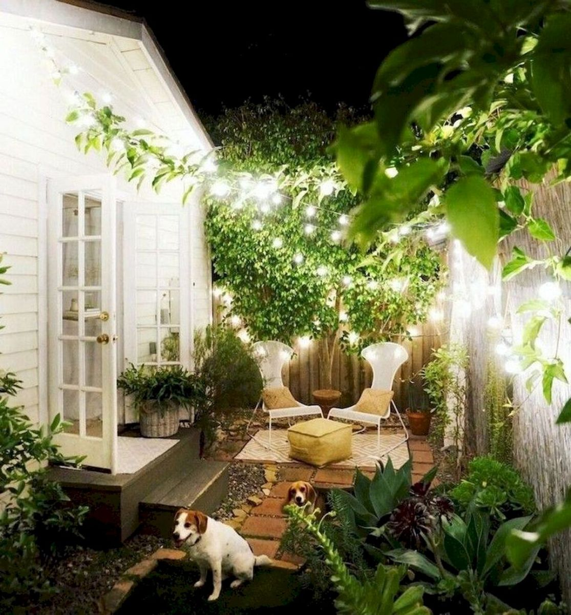 30 Best Small Backyard Patio Ideas (12)