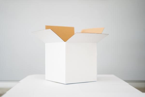 Satchel postage Box