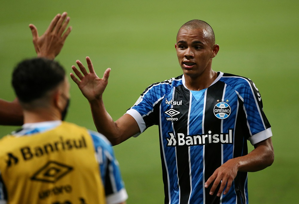 Gremio Teenager (With 86M Release Clause) 'Being Monitored' As Arsenal Consider Surprise Bellerin Replacement