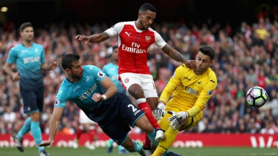 skysports-theo-walcott-arsenal-swansea-premier-league-football_3809229