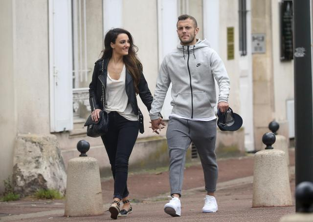 Wilshere reveals emotional conversation with wife amid his club search