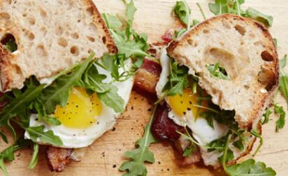 Huck's Fried Egg Sandwich