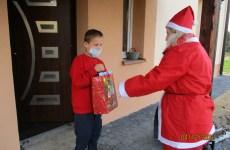 Więcej o: Święty Mikołaj odwiedził dzieci