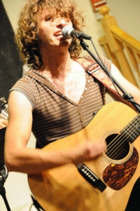 Evan Greer of the Riot! Folk Collective performs in Chapel and Durham on Sunday and Monday.
