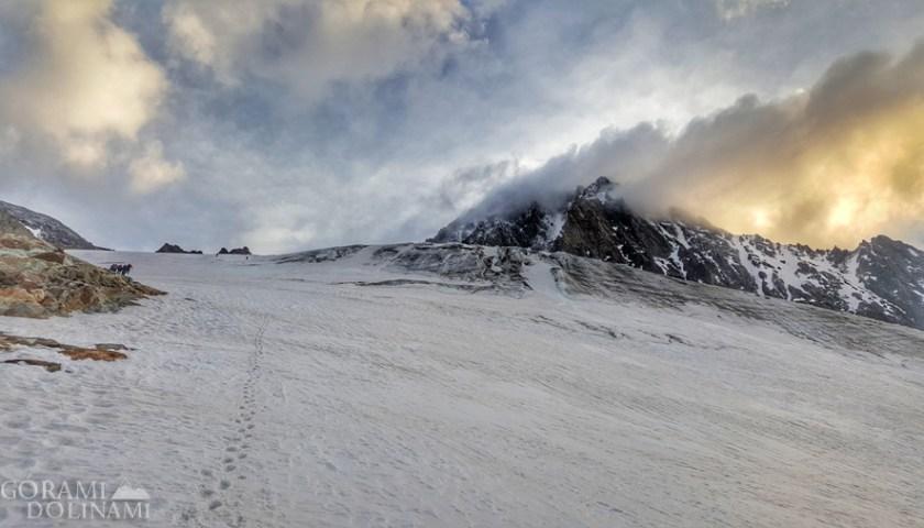Finsteraarhorn, Alpy Berneńskie