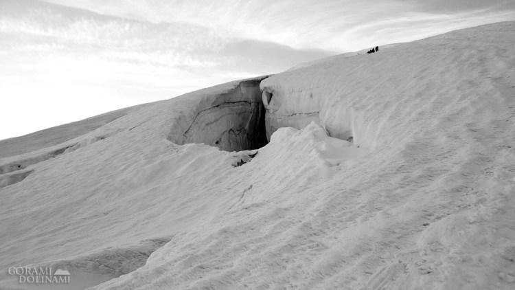 Szczelina na lodowcu Lys
