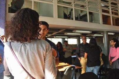 Participantes del Meet Up de Comunidades Digitales realizando Networking