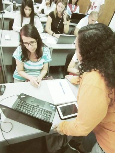 Intercambiando ideas entre Participantes y Facilitador