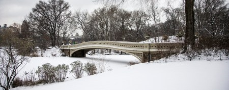 The Bow Bridge on a  quiet this morning after a snowstorm hit the New York City area, Friday Jan. 9, 2015. (Gordon Donovan/Yahoo News)