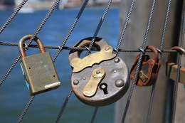 An older style of lock is attached on the cable railings of Pier 1 in Brooklyn on August 23, 2016. (Gordon Donovan/Yahoo News)