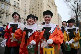 Clowns are all smiles during the 90th Macy's Thanksgiving Day Parade in New York, Thursday, Nov. 24, 2016. (Gordon Donovan/Yahoo News)