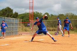 New York Mets minor league pitcher Jimmy Duff throws a bullpen at the New York Mets spring training facility in Port St. Lucie, Fl., Friday, Feb 24, 2017. (Gordon Donovan/Yahoo Sports)