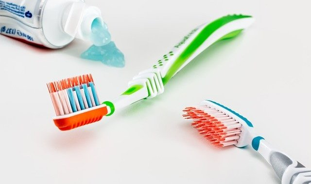 Step by step instructions to pick appropriate toothbrush and toothpaste for you